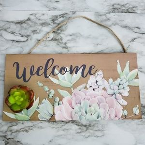 """Succulent """"Welcome"""" Wall Plaque"""